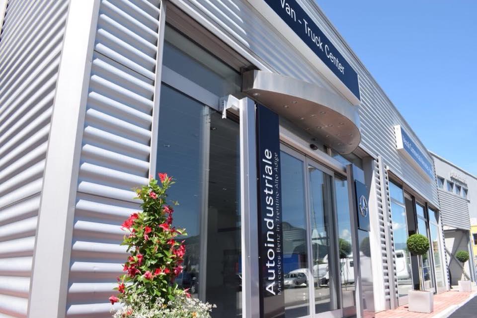 Autoindustriale concessionaria Mercedes Benz / Nord Studio Trento